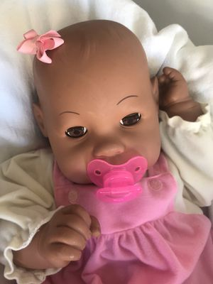 "Beautiful African American 24"" Baby Play Doll for your little girl for Sale in Miami, FL"