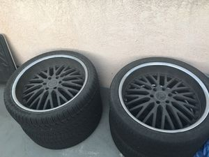 """Velocity Rims 24"""" 6 Lug from a Chevy Avalanche for Sale in Hawthorne, CA"""