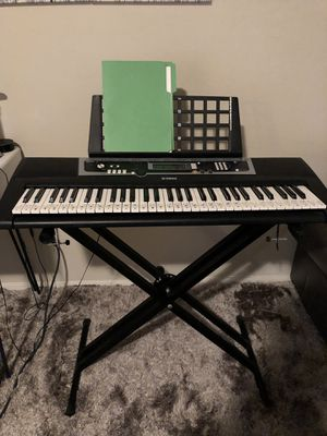 Yamaha Education Suite keyboard & Stand for Sale in Glendale, AZ