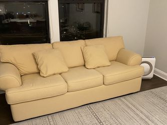 Sandy Yellow Sleeper Sofa for Sale in Chicago,  IL