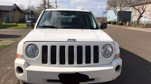 Low miles 2008 Jeep Patriot needs a new cv axle for Sale in Lebanon, OR