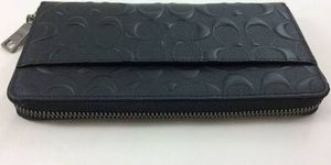 Coach Men's Accordion Wallet in Signature Leather - Black for Sale in Peoria, AZ