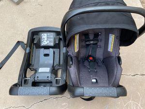 Evenflo safemax car seat/ bases for Sale in Tempe, AZ