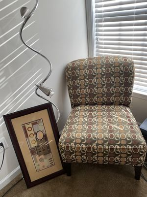 Chair with matching picture for Sale in Upper Marlboro, MD
