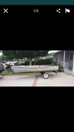 14 ft crestline alum boat 600 for Sale in Avocado Heights, CA