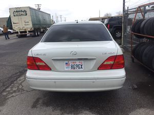 Lexus LS 430 2002 clean title run like new mile 196221 for Sale in Murray, UT
