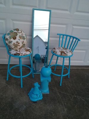 Bar stools mirror pedestal wall unit vase and a free pillow for Sale in Nashville, TN