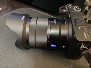 Sony A6500 W.- Zeiss 16-70mm lens (SEL1670Z) for Sale in New York, NY
