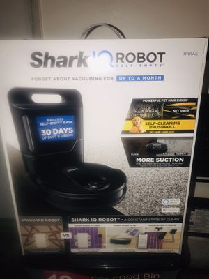 Shark iq robot vacuum for Sale in Whittier, CA