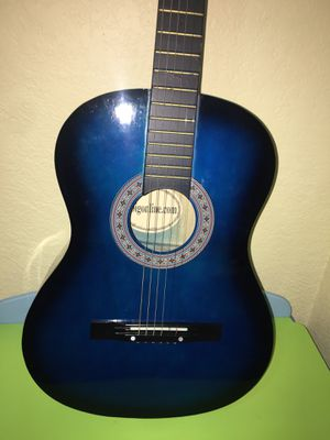 Acustic Guitar with case bag for beginners for Sale in Miami, FL