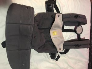 Lille baby carrier for Sale in Riverdale, MD