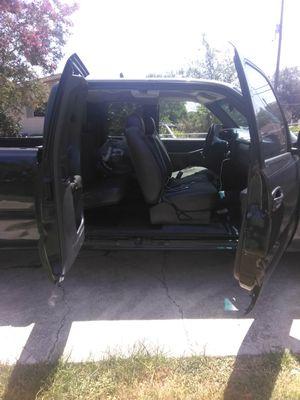 Chevrolet Silverado 03 v6 for Sale in San Antonio, TX