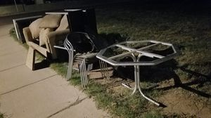 Free Furniture on Curb for Sale in Tempe, AZ