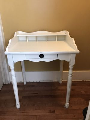 Country farmhouse vintage table/ telephone stand for Sale in Los Angeles, CA