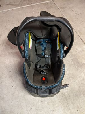 Britax B-safe 35 car seat with one or two bases for Sale in Chandler, AZ
