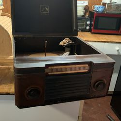 Antique Victrola for Sale in McGregor,  TX