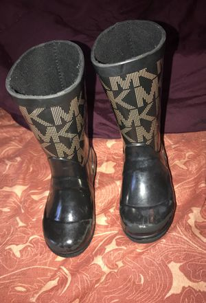 Michael Kors Boots for Sale in Cleveland, OH