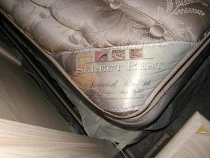 California King mattress very comfortable pillow-top for Sale in New York, NY