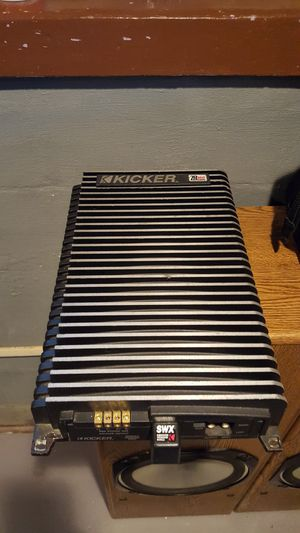 Kicker zr360 amp for Sale in Canton, OH