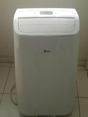 LG portable AC unit 8,000btu for Sale in Honolulu, HI