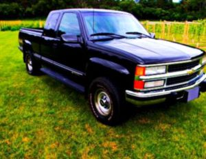 Price$600 🇨 🇭 🇪 🇻 🇷 🇴 🇱 🇪 🇹 1996 🇸 🇮 🇱 🇻 🇪 🇷 🇦 🇩 🇴 pickup car for Sale in Baltimore, MD
