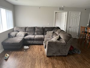 Very nice and comfy sectional couch for Sale in Ypsilanti, MI