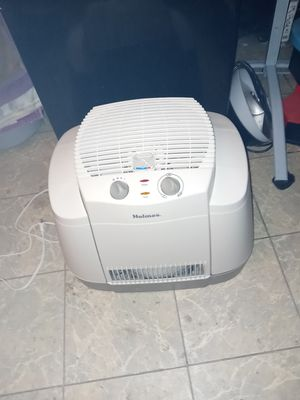 Holmes Humidifier for Sale in Lancaster, TX