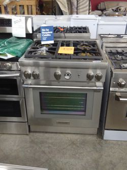 Viking Gas Stove And Oven for Sale in Pomona,  CA