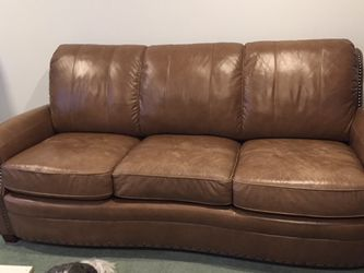 Brown Leather Couch Good Condition for Sale in Palmyra,  NJ