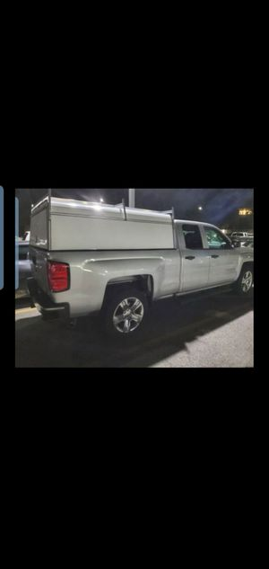 Camper shell for Chevy Silverado 2014-2019 for Sale in Los Angeles, CA