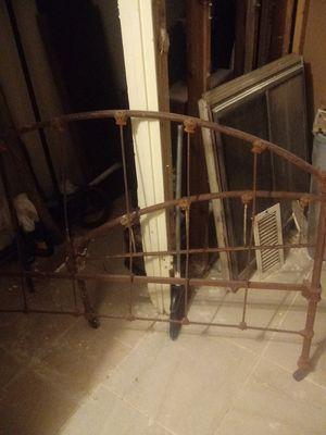 Antique bed frame for Sale in San Angelo, TX