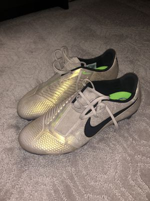 Nike Phantom soccer cleats for Sale in Tigard, OR