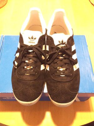 Size 10 Vans and Adidas sneakers for Sale in Los Angeles, CA