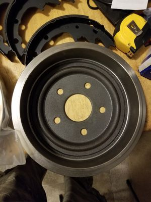 Size 9 inch drum brake set plus four more shoes for Sale in Orchard City, CO