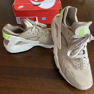 Men's Size 10.5- Nike Air Haurache for Sale in Atlanta, GA