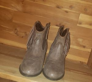 Ariat booties size 8 with fringe for Sale in Leavenworth, KS