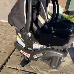 2 Graco Car Seats Snugride 35 Lite for Sale in Mount Laurel Township, NJ