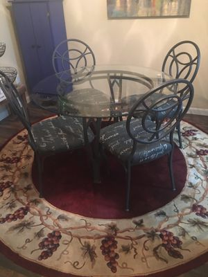 Dining room table, chairs, round rug for Sale in Watauga, TX
