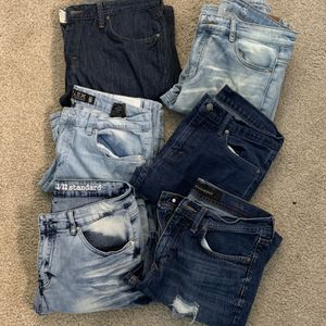 6 pairs of jeans 32 and 33 waist for Sale in Northglenn, CO