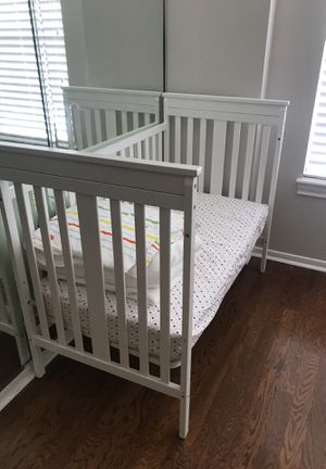 Baby Crib bed with mattress for Sale in Houston, TX