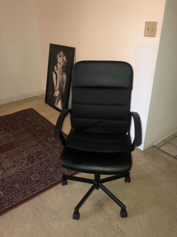 Computer chair comfy and modern