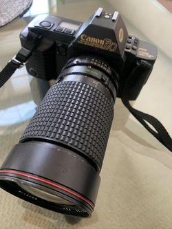 Canon T70 SLR Film Camera And Flash for Sale in Beverly Hills,  MI