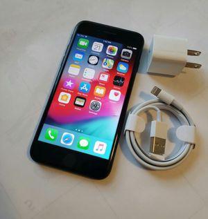 iPhone 7 128gb unlocked like new for Sale in Fairfax, VA