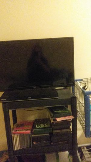 32 inch tv with remote DVD go to with all the dvd for Sale in Watertown, NY