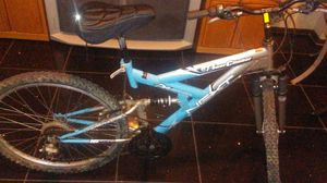 Mountain Bike 26 inch tires 18 speeds for Sale in Columbus, OH