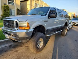 2001 Ford Excursion XLT for Sale in Industry, CA