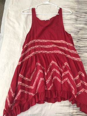 FREE PEOPLE red lace tunic top size XS for Sale in Las Vegas, NV