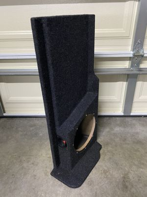 """Chevy Silverado Extended Cab 1999 - 2018 10"""" Single Sub Box Storage included. Perfect Fit. for Sale in Moreno Valley, CA"""