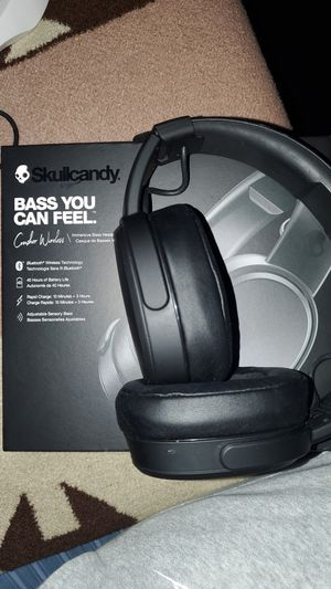SkullCandy Crusher wireless headphones feels like Subs on ur ears!! INSANE BASS $150+ RETAIL for Sale in Lacey, WA