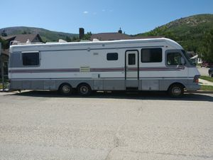 Kounry star 36 ft motorhome w/side for Sale in Anaconda, MT